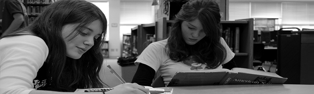 Girls_studying1000x300.png